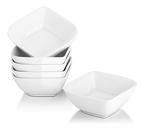DOWAN 8 Oz Porcelain Ramekins, Dessert Bowls, Creme Brulee Dishes, Small Bowls for Dipping, Baking, Round Edge for Easy Cleaning, Oven Safe, Set of 6, White