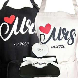 Aprons Gift Set with His and Hers Aprons,Mr. and Mrs. Est. 2020 Kitchen Cooking Set with Gift Box, Funny Cooking Bibs for Wedding Marriage Newlyweds Set of 2(MR&MRS 2020)