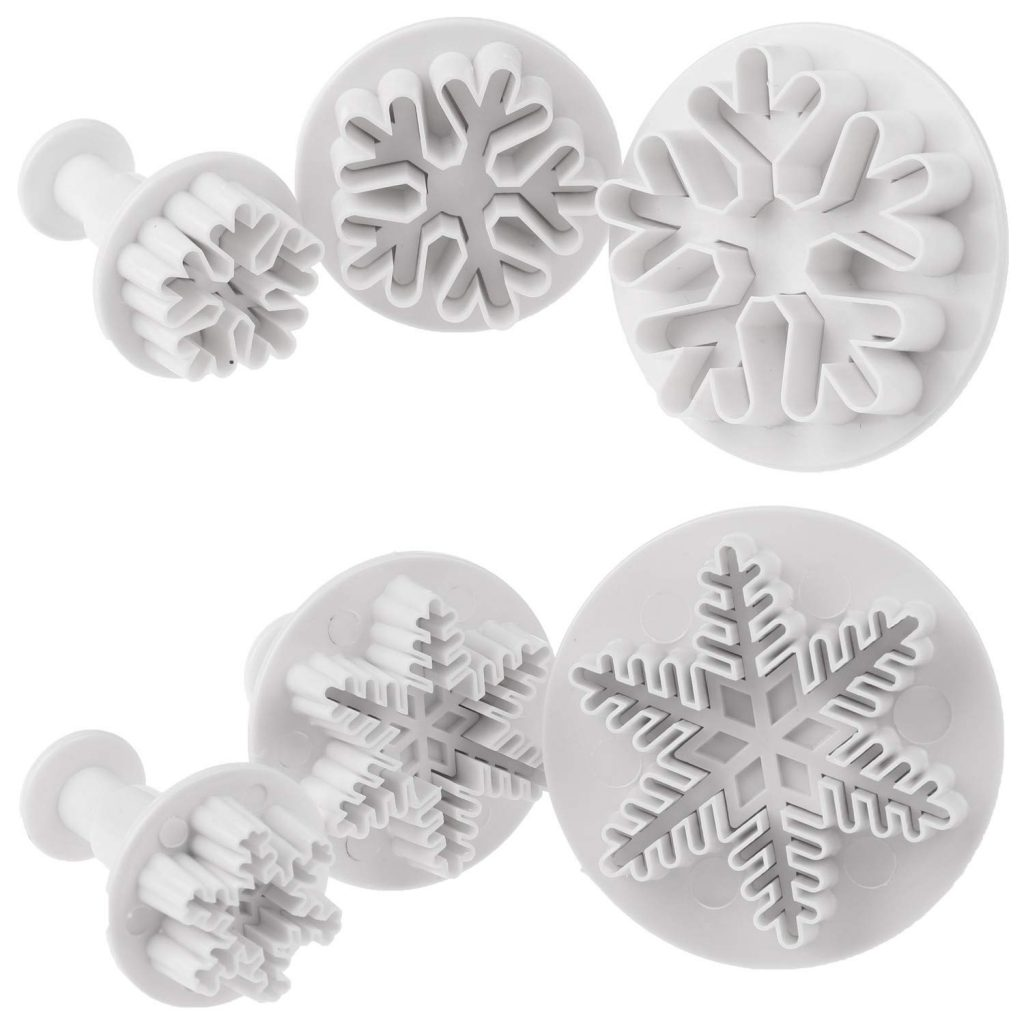6PCS Snowflake Cookie Cutters Decorating Cake Cupcake Fondant Embossing Tool Christmas Snowflake Plunger Cutter Frozen Cake Toppers for Birthdays Cupcake Decorating Supplies